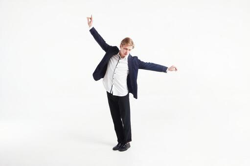 Male dancer who decides pose 1