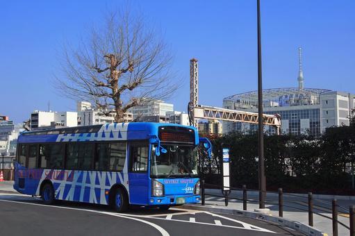 토부 버스 스카이 트리 셔틀 (JR 우에노 역 공원 출구에서)