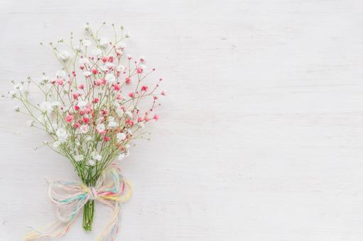 Mini-bouquet of two-color gypsophila