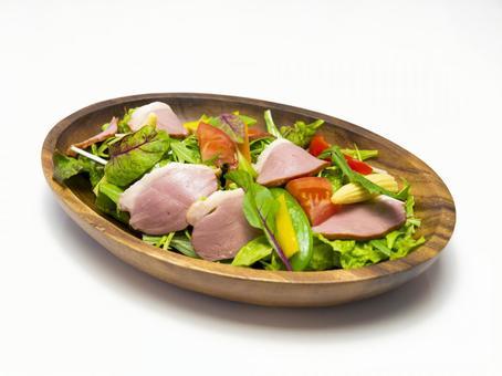 Duck fresh salad