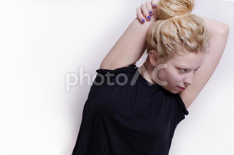 フィットネスをするセルビア人女性76の写真