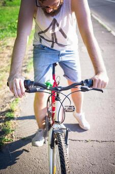 人骑自行车46
