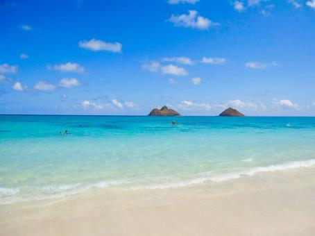 Hawaii Sunny blue sky and Kailua beach
