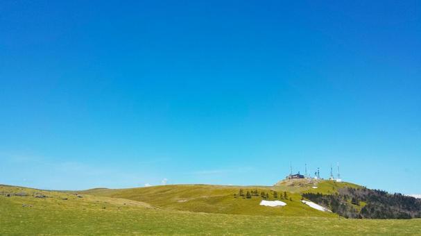 Plateau and blue sky 1028