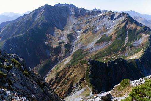 攀登北阿爾卑斯的敦木山