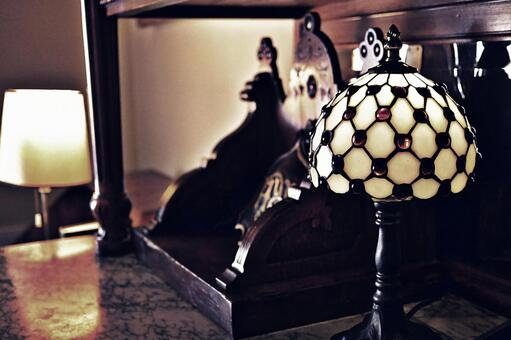 Antique style lamp