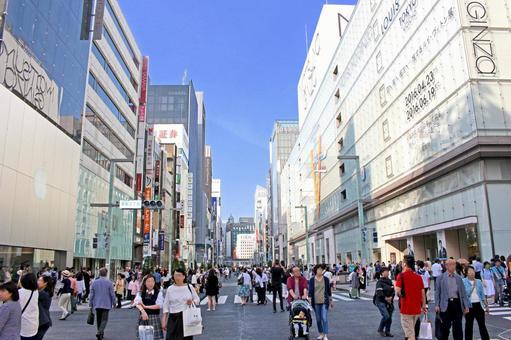 Ginza pedestrian heaven 1