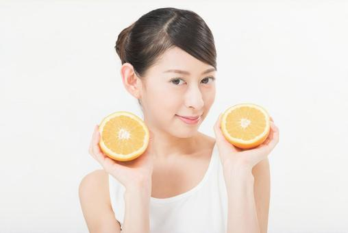Women with oranges 8