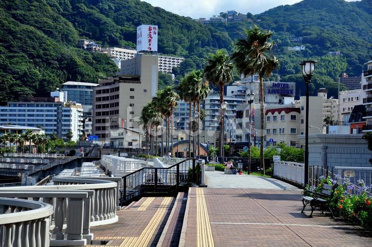 熱海の町並みの写真
