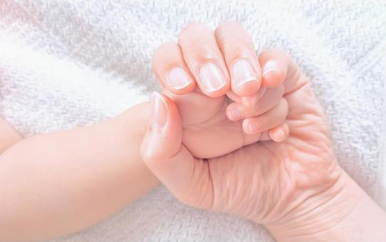 Baby and mom's hands