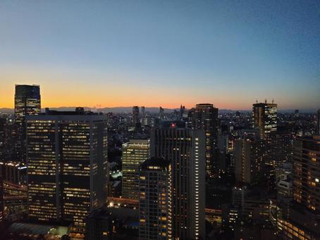 도쿄 황혼. 매직 아워에서 블루 아워에