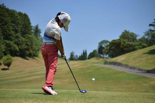 Golf Women Impact