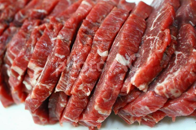 カットされた牛肉3の写真