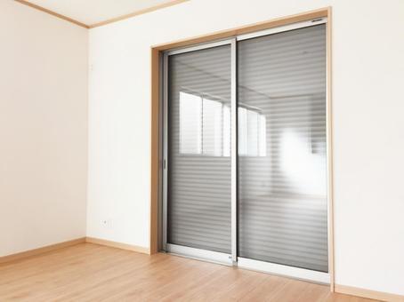 Sweep window with shutter