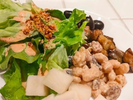 Tenkomori salad
