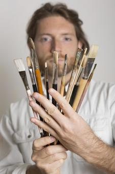 People who look at paintbrushes