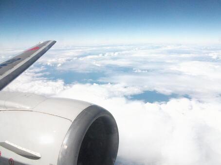 飞机和云海