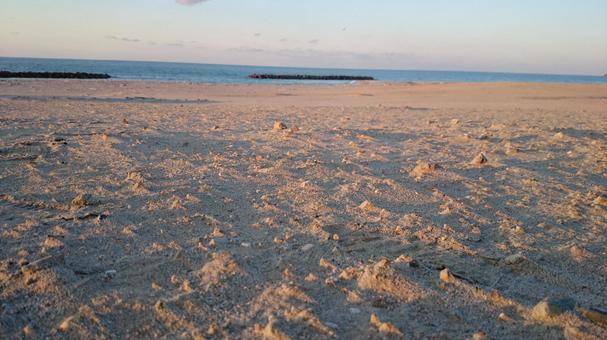 황혼 동해의 해변 (시마네 현)