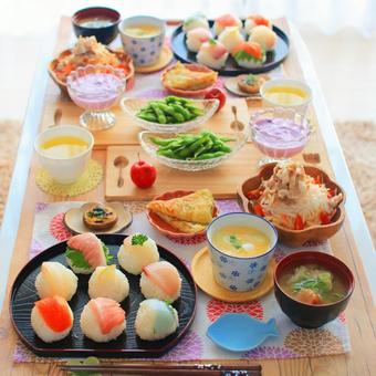 테마리 초밥 식탁