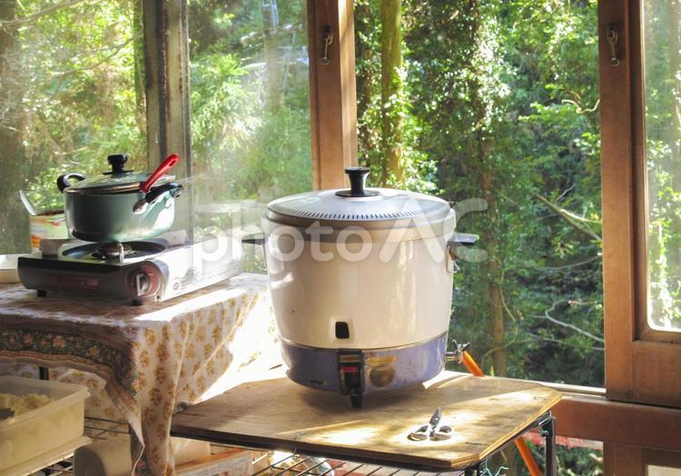 大きな炊飯器の写真
