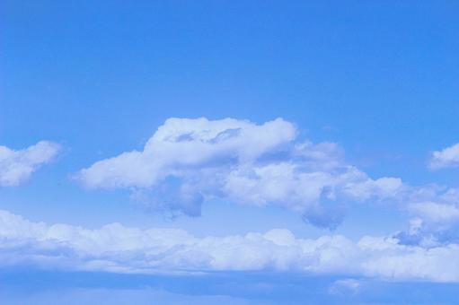 Blue sky and white clouds (wallpaper free free material background) Photo 04