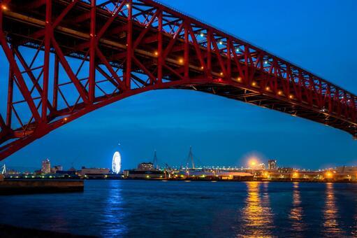 Port of the night Ohashi bridge seaside green area
