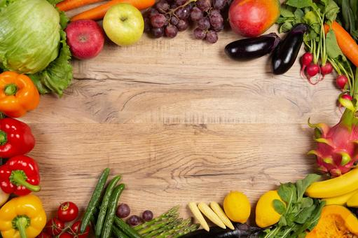 Circle copy space made of vegetables and fruits