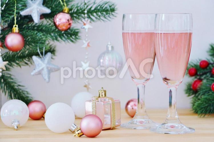 ロゼワインで乾杯の写真
