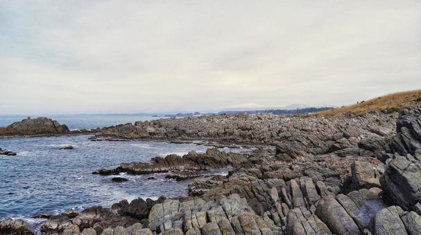 에치젠 해안 雄島 해안과 하쿠산 연봉