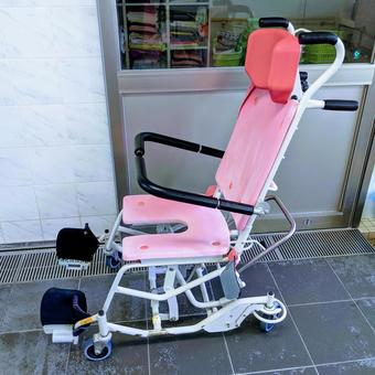 Wheelchair for bath of long-term care recipient