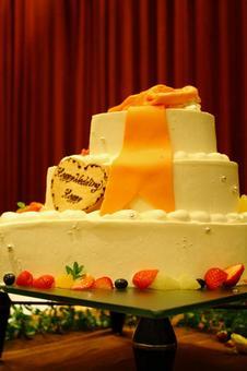 3 stage wedding cake