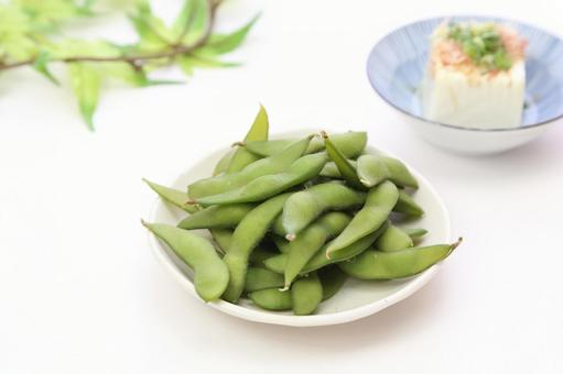 Boiled green soybean and chilled and fro 15