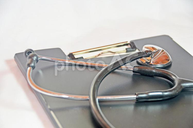 ファイルと聴診器2の写真