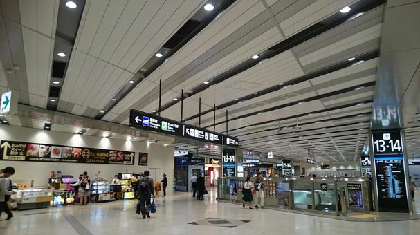 신오사카 역 광장