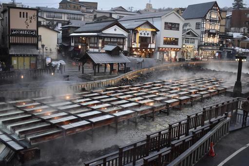 群馬草津溫泉Yubatake冬天