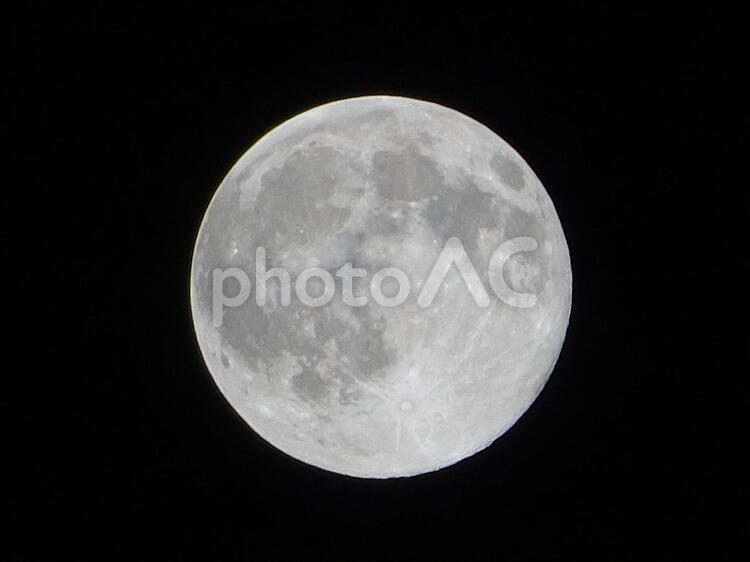 2015年7月31日のブルームーン・満月の写真