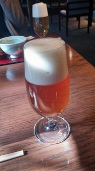 從中午喝啤酒