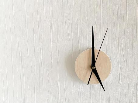 Analog clock 5 o'clock