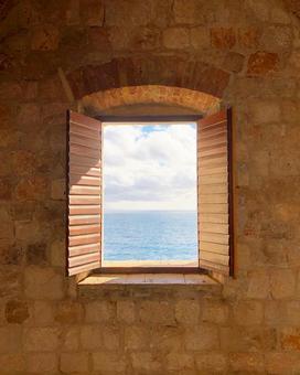 크로아티아 두브 로브 니크의 창문에서 아드리아 바다를 전경을