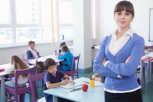 小学生和工艺美术13教师的时间