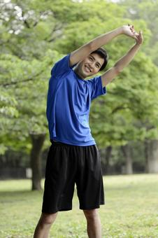 Preparation at the park Men who exercise gymnastics 9
