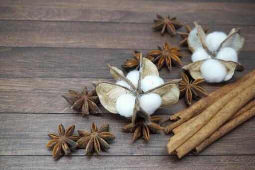 Cinnamon and star anise and cotton