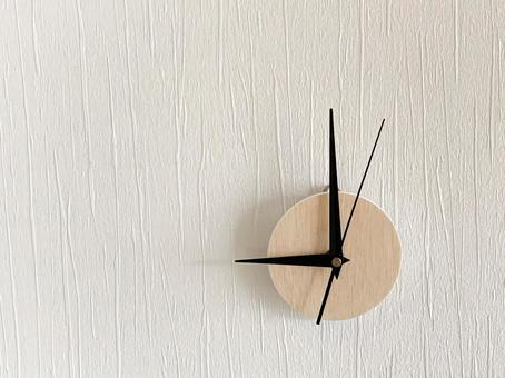 Analog clock 9 o'clock