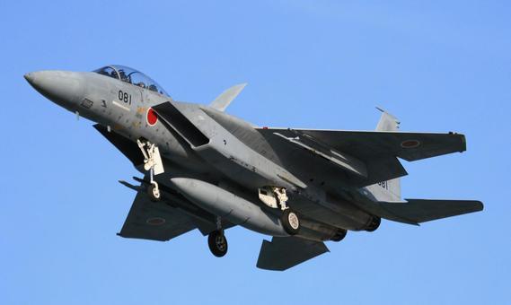 F-15 </s> 闘 machine