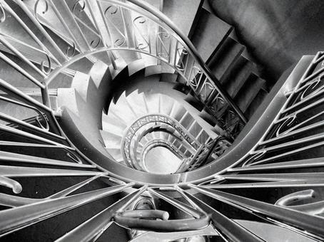 Spiral staircase silver