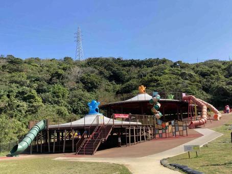중성 공원 남쪽 놀이 광장