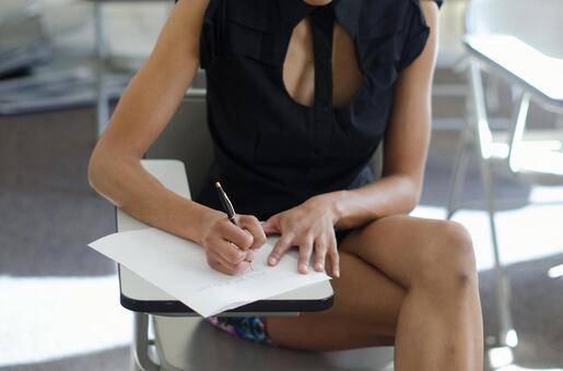 Women taking business notes 5