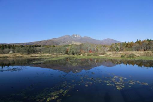 Fall samarium pond _ Myokozan 03