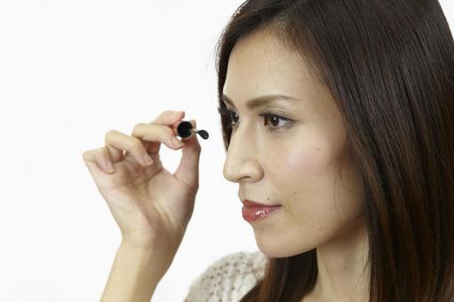 婦女粉刷睫毛膏4