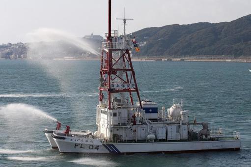 해상 보안청의 소방 선박 해류